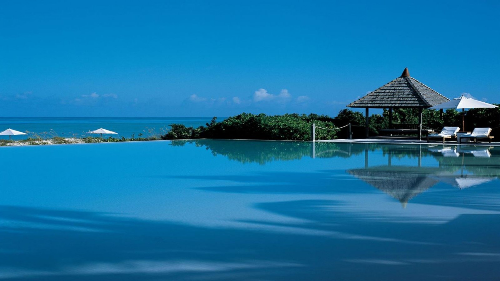 piscina_vistas_mar_Turks_and_Caicos_América