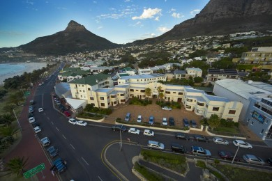 CAMPS BAY RESORT2